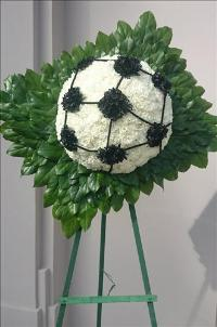 Soccer ball floral tribute Funeral Flowers, Sympathy Flowers, Funeral Flower Arrangements from San Francisco Funeral Flowers.com Search for chinese funeral, sympathy funeral flower arrangements from our SanFranciscoFuneralFlowers.com website. Our funeral and sympathy arrangements include crosses, casket covers, hearts, wreaths on wood easels, coronas fúnebres, arreglos fúnebres, cruces para velorio, coronas para difunto, arreglos fúnebres, Florerias, Floreria, arreglos florales, corona funebre, coronas