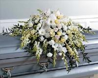 White Floral Casket Spray (CF005-11) Funeral Flowers, Sympathy Flowers, Funeral Flower Arrangements from San Francisco Funeral Flowers.com Search for chinese funeral, sympathy funeral flower arrangements from our SanFranciscoFuneralFlowers.com website. Our funeral and sympathy arrangements include crosses, casket covers, hearts, wreaths on wood easels, coronas fúnebres, arreglos fúnebres, cruces para velorio, coronas para difunto, arreglos fúnebres, Florerias, Floreria, arreglos florales, corona funebre, coronas