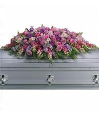 Lavender Tribute Casket Spray Funeral Flowers, Sympathy Flowers, Funeral Flower Arrangements from San Francisco Funeral Flowers.com Search for chinese funeral, sympathy funeral flower arrangements from our SanFranciscoFuneralFlowers.com website. Our funeral and sympathy arrangements include crosses, casket covers, hearts, wreaths on wood easels, coronas fúnebres, arreglos fúnebres, cruces para velorio, coronas para difunto, arreglos fúnebres, Florerias, Floreria, arreglos florales, corona funebre, coronas