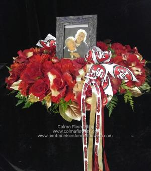 49ers Picture wreath Funeral Flowers, Sympathy Flowers, Funeral Flower Arrangements from San Francisco Funeral Flowers.com Search for chinese funeral, sympathy funeral flower arrangements from our SanFranciscoFuneralFlowers.com website. Our funeral and sympathy arrangements include crosses, casket covers, hearts, wreaths on wood easels, coronas fúnebres, arreglos fúnebres, cruces para velorio, coronas para difunto, arreglos fúnebres, Florerias, Floreria, arreglos florales, corona funebre, coronas
