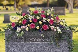 Monument Flowers Funeral Flowers, Sympathy Flowers, Funeral Flower Arrangements from San Francisco Funeral Flowers.com Search for chinese funeral, sympathy funeral flower arrangements from our SanFranciscoFuneralFlowers.com website. Our funeral and sympathy arrangements include crosses, casket covers, hearts, wreaths on wood easels, coronas fúnebres, arreglos fúnebres, cruces para velorio, coronas para difunto, arreglos fúnebres, Florerias, Floreria, arreglos florales, corona funebre, coronas