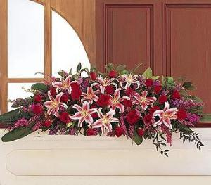 Amethyst And Ruby Casket Spray Funeral Flowers, Sympathy Flowers, Funeral Flower Arrangements from San Francisco Funeral Flowers.com Search for chinese funeral, sympathy funeral flower arrangements from our SanFranciscoFuneralFlowers.com website. Our funeral and sympathy arrangements include crosses, casket covers, hearts, wreaths on wood easels, coronas fúnebres, arreglos fúnebres, cruces para velorio, coronas para difunto, arreglos fúnebres, Florerias, Floreria, arreglos florales, corona funebre, coronas